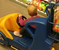 Einkaufswagen_Auto_Kind