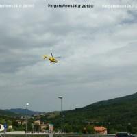 Escursionista si frattura una gamba su Monte Pero, arriva l'elicottero