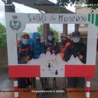 Ritornano i camminatori sulla Via degli Dei: ad accoglierli a Monzuno anche una maxi cartolina ricordo
