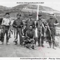 Sezione Comunale Cacciatori Vergato - Gruppo in posa in una Foto d'Arte Olivi