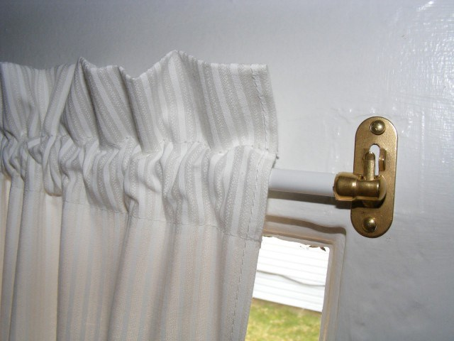 different styles of curtain rods you