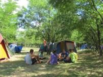 Játék a sátraknál