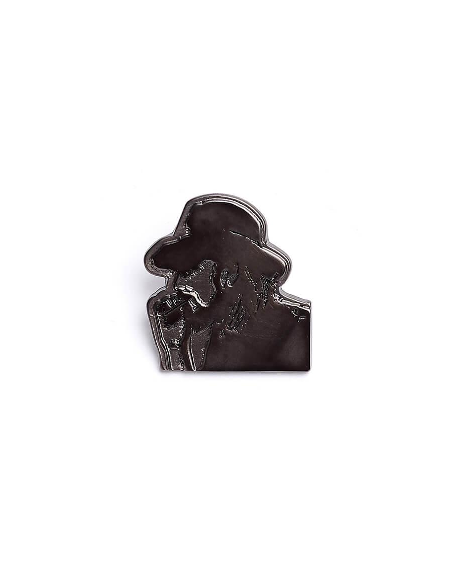 YOHJI YAMAMOTO Pin With Smoking Yohji's Profile
