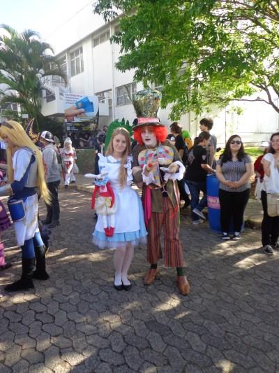 Alice e Chapeleiro Louco