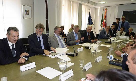 Come cittadino di Rivalta, chiedo che l'amministrazione si confronti e dialoghi con le altre istituzioni