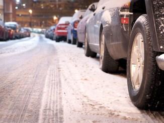 Dass Winterreifen den Verbrauch erhöhen, ist ein oft gehörtes Vorurteil, das sich in der Realität jedoch nicht bestätigt. - Foto: djd/ReifenDirekt.de/thx