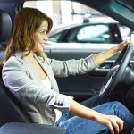 Sitzposition beim Autofahren: Die richtige Haltung rettet Leben