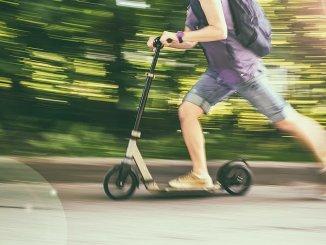 Promillegrenzen bei der Nutzung von E-Scootern müssen beachtet werden. - Foto: Adobe Stock/DVR