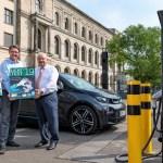 Bundesminister Scheuer stellt neue Licht-Test-Plakette vor