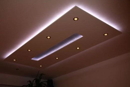 Koof Woonkamer met Inbouwspots en LED Strip