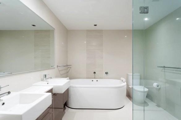 Toilet Naast Bad Inbouwspots Plafond