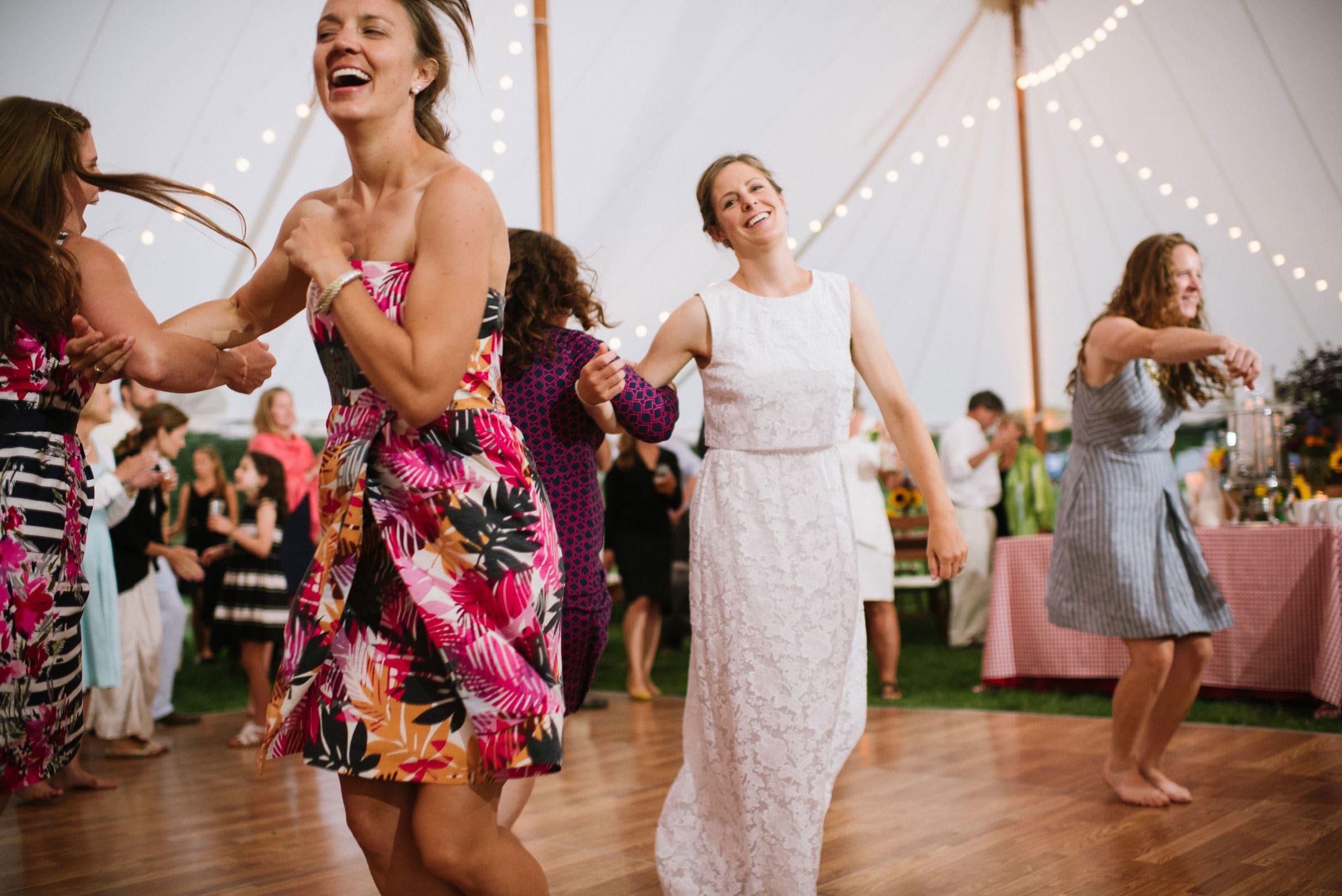 vermont backyard wedding duback photography