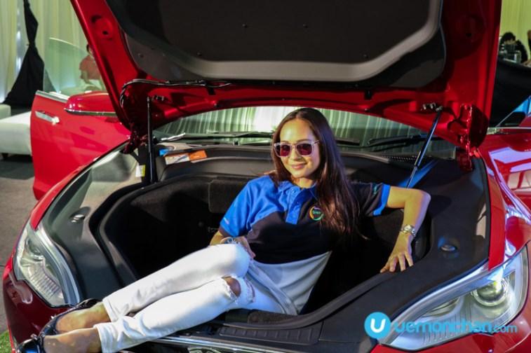 Tesla Model S and Maya Karin