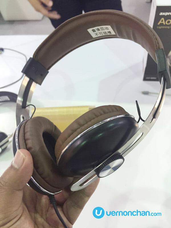 Axpro Lightning headphones for iPhone 7