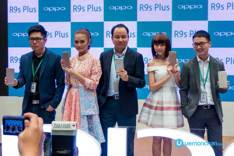 Ayda Jebat and Min Chen OPPO R9s Plus
