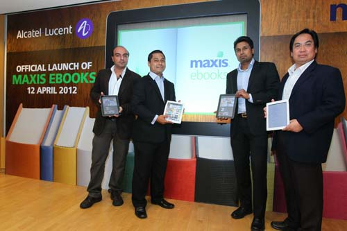 Maxis launches malaysias first integrated ebook publishing service from left navin wathan maxis general manager and head of innovation fandeluxe PDF