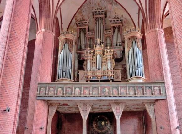 Stendal_Marienkirche_Orgelempore_2011-09-17.jpg