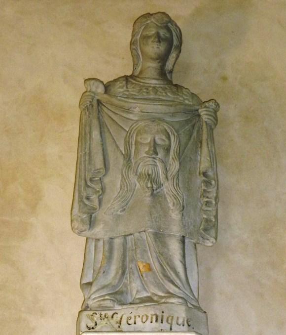 Saint-Georges-du-Mesnil_(Eure,_Fr)_église,_statue_Sainte_Véronique