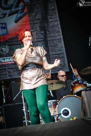 Anneke-van-Giersbergen_Masters-Of-Rock-2013_14