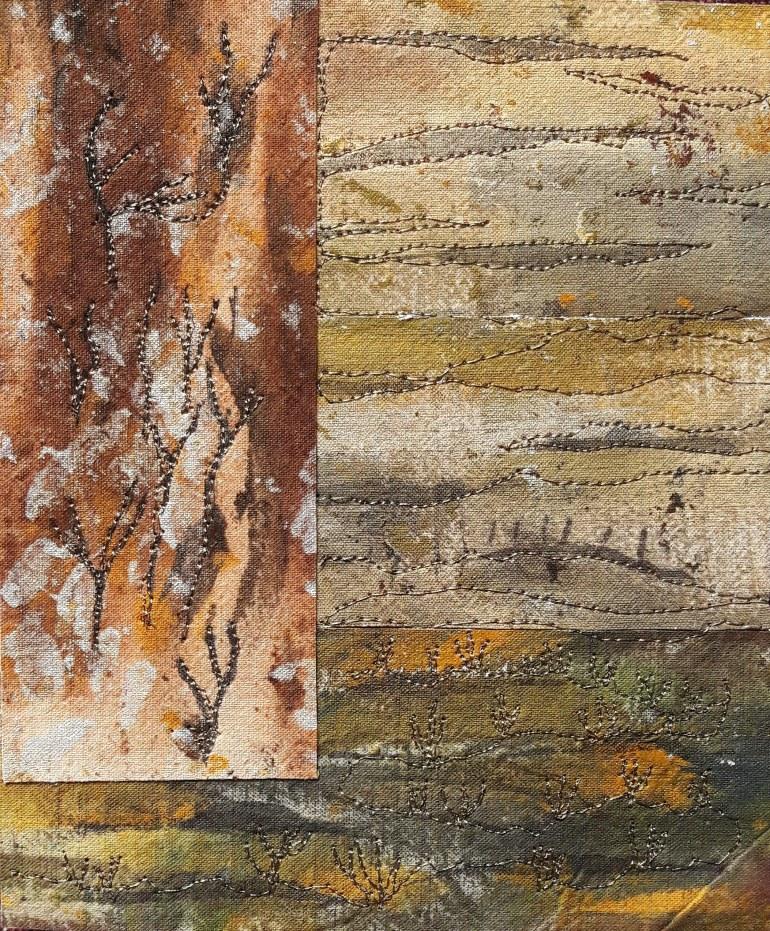 """<em>Petit paysage d'hiver"""" : tissu peint à l'acrylique et encre de Chine, patché et brodé</em>.<em> Détail (2020)</em>"""