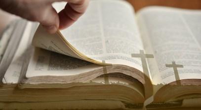 bible-2062081_1280