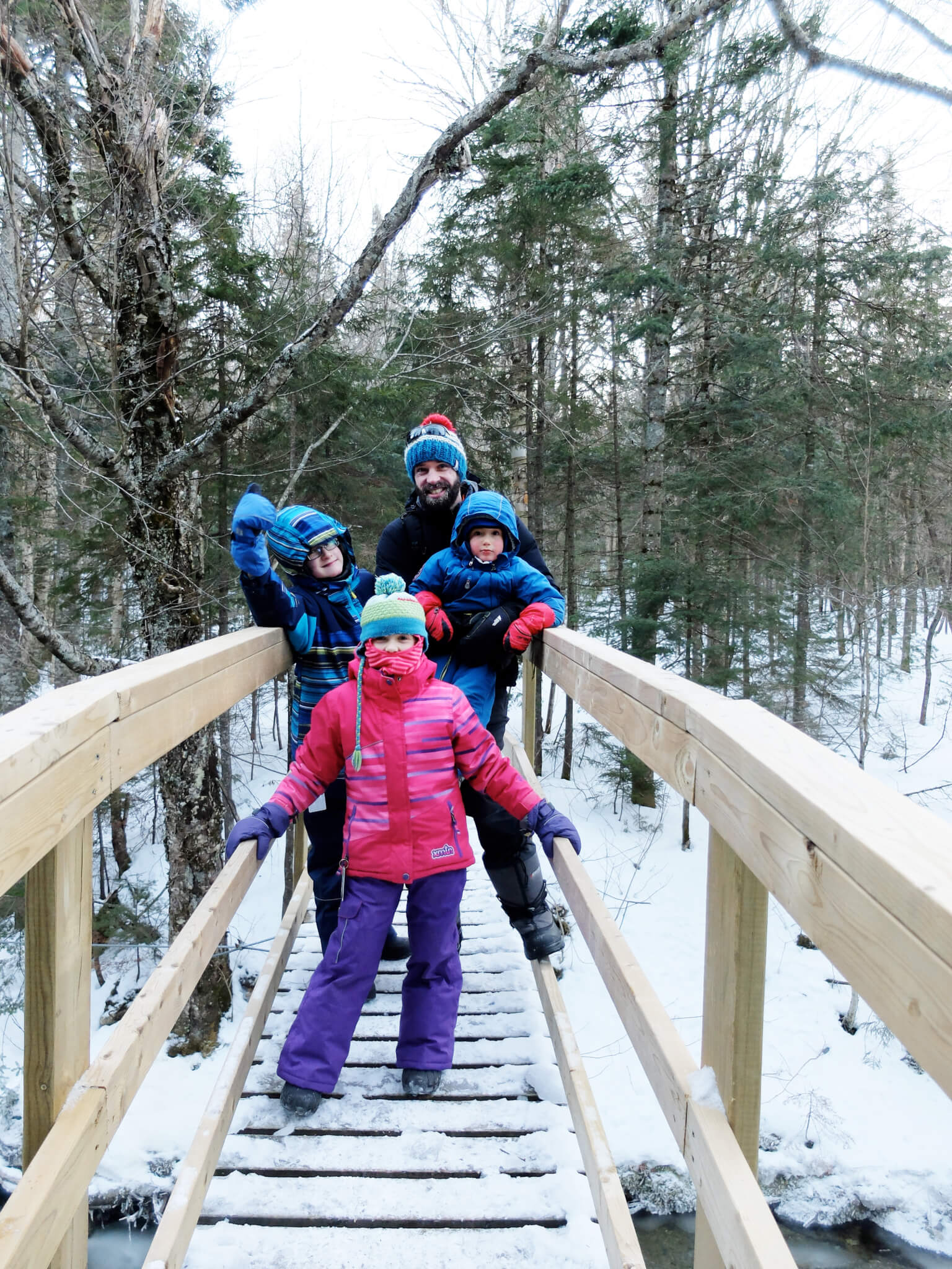 Photo de Valérie et sa famille pour notre article Famille et plein air, oui c'est possible en collaboration avec Ti-Mousse