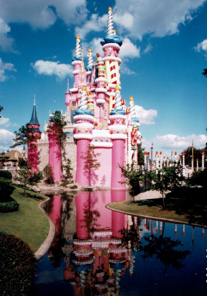 Florida_Walt Disney World-Cinderella's Castle 2__Fujicolor 400