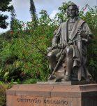 gray-concrete-statue-of-man-6469172