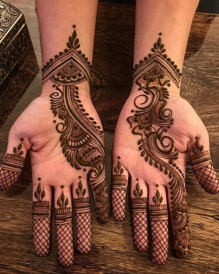 A modish trail Arabic Mehndi 11