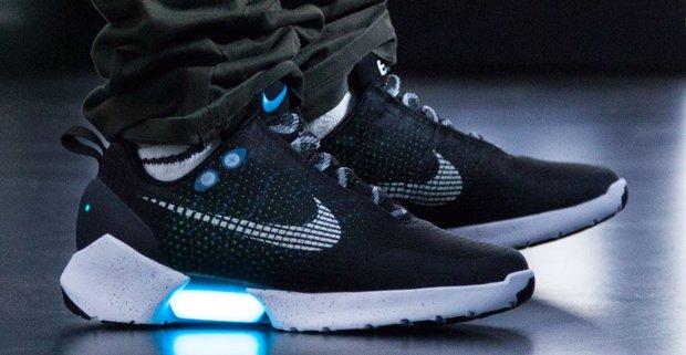 В 2019 году в продаже появятся самошнурующиеся кроссовки Nike