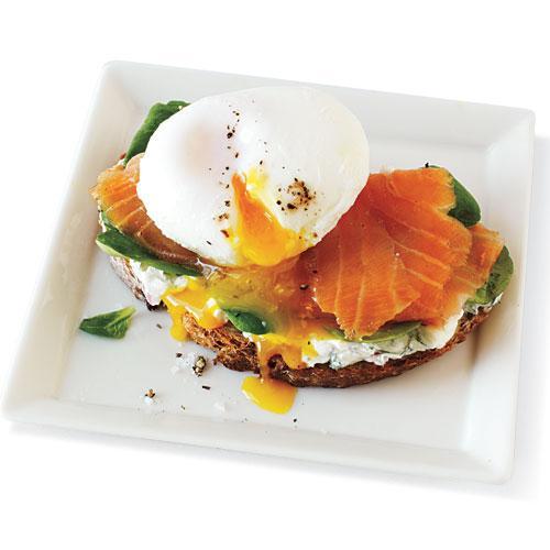 VF smoked salmon + egg sandwich