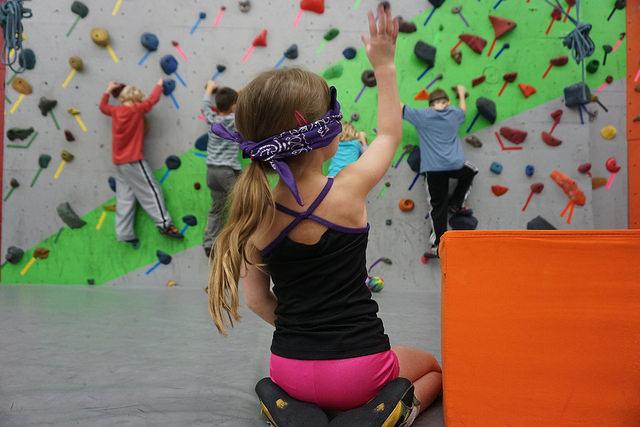 VATC Preschool Monkey Blindfold Climbing
