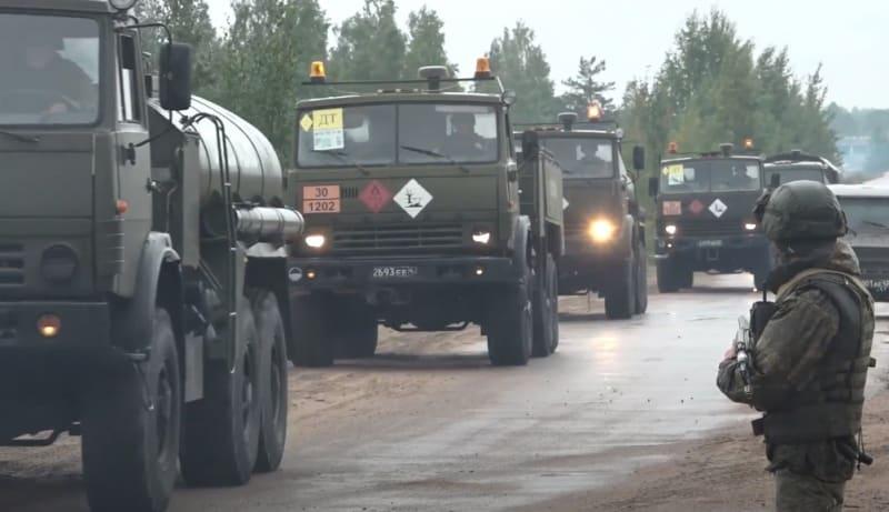 Колонна Российской военной техники