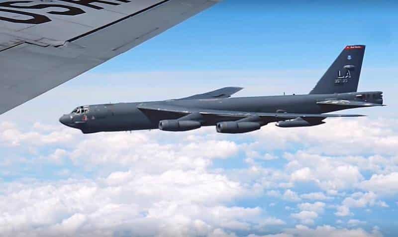 стратегический бомбардировщик B-52H