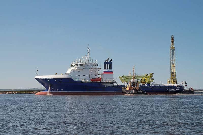 судно тылового обеспечения Всеволод Бобров