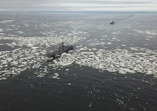 Арктическая группировка Северного флота преодолела пролив Вилькицкого