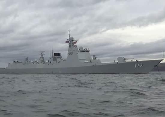 Эскадренный миноносец УРО DDG 172 Kunming ВМС Китая