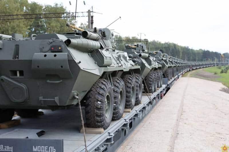 платформа российских бронетранспортеров БТР-82А