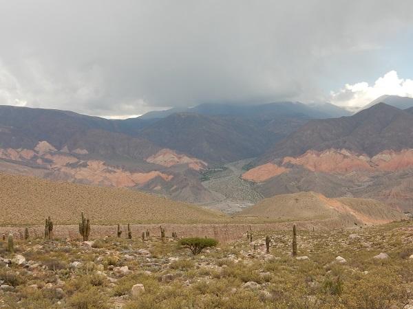 Prachtig uitzicht, omgeving Tilcara (met heel veel regen en onweer op komst)
