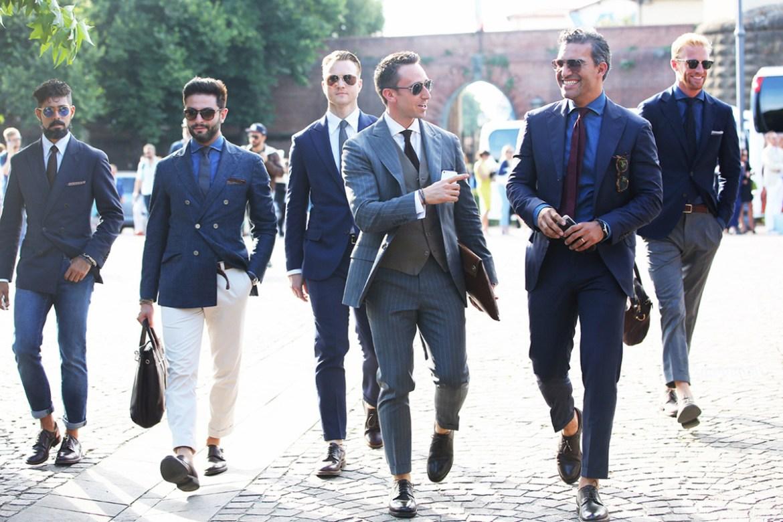 le club les mecs qui portent des chaussures sans chaussettes