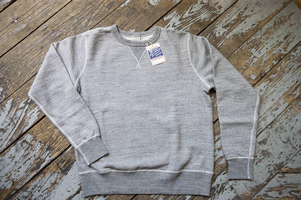 Buzz Ricksons 4-Needle loopwheel sweatshirt, gris