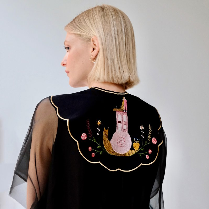 Removable collar with embroidered illustration by Estee Preda by Noémiah