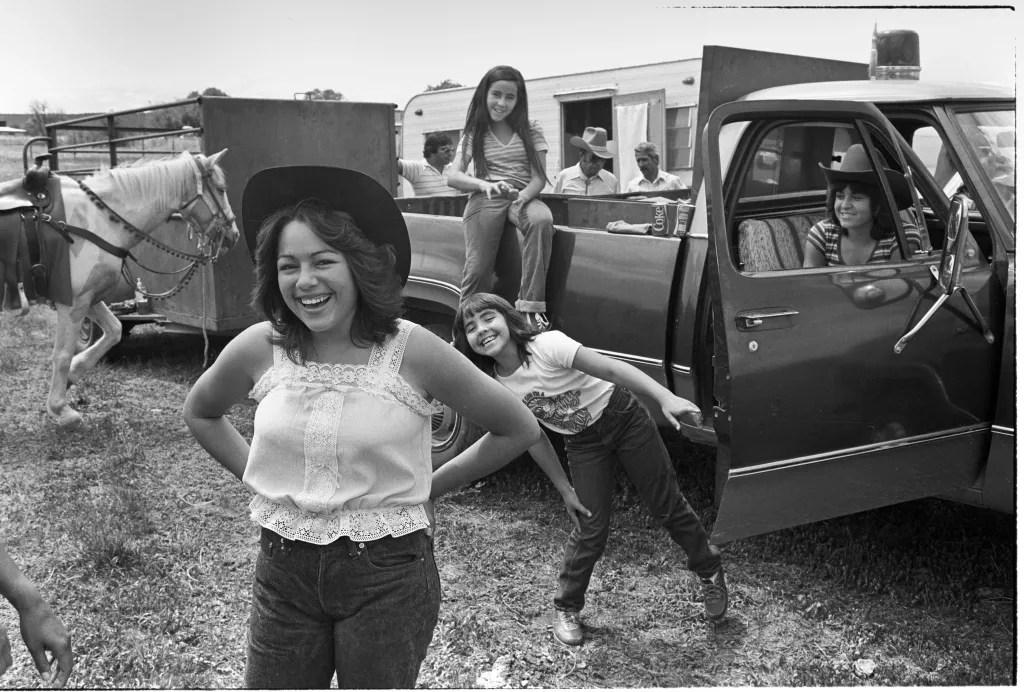 Luján family, El Rito Fiesta. 1981. © Kevin Bubriski