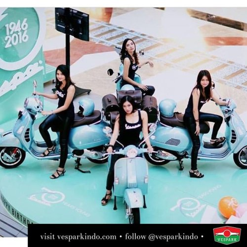 Collectable Vespa of the century, the 70th anniversary Vespa Settantesimo limited editions. Special azuro blue-green color, 70th emblem, special leather seats and bag with rear carrier. You cannot buy it once sold out, so reserve yours now. Call 061-4565454 ? @lacasavespa