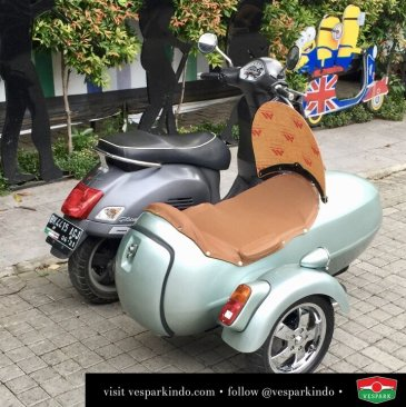 vespa gts chrome wheel sidecar