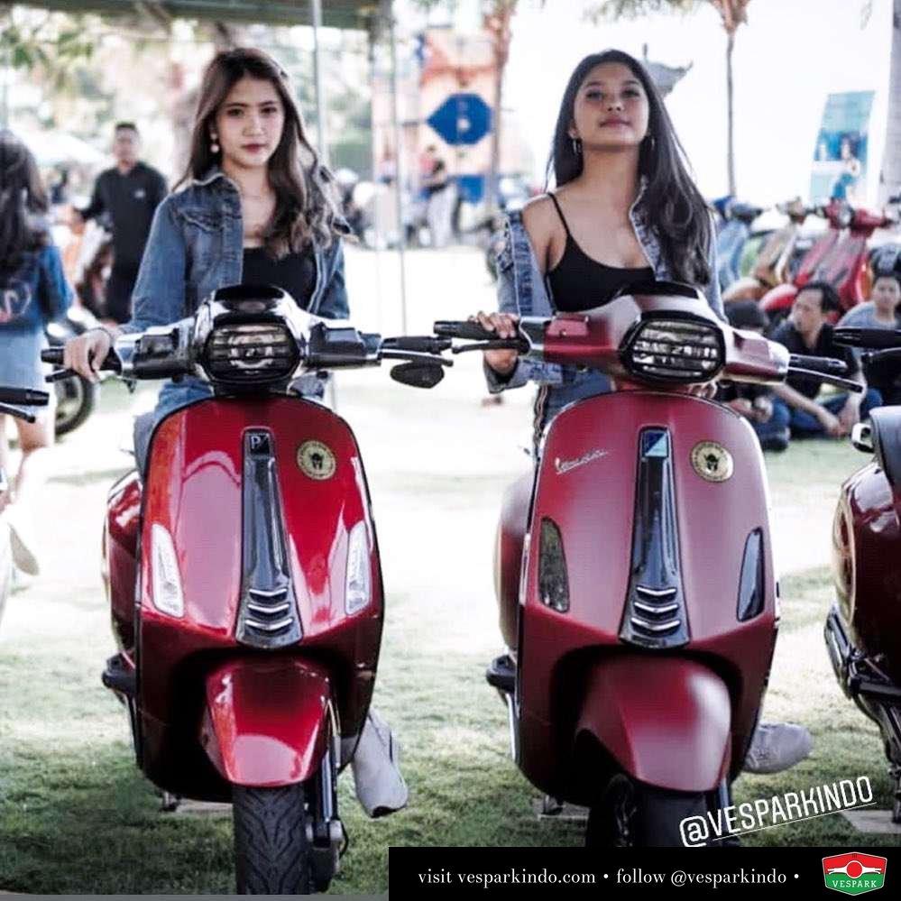 Vespa Sprint Pilih Glossy Red atau Matt Red? Photo by @skuutsvespajakarta