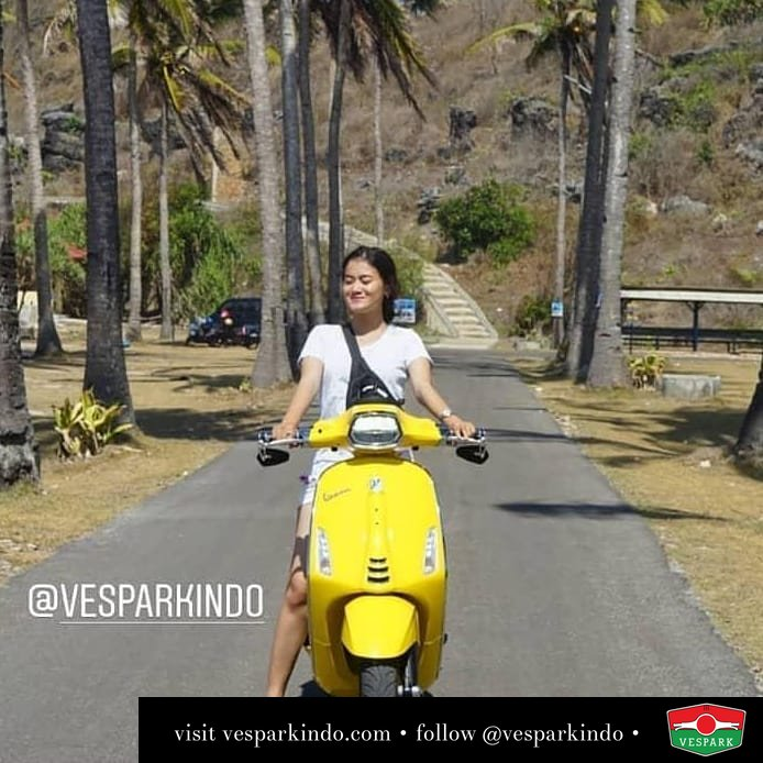 Yellow Vespa Sprint travel and lifestyle @resnumelon