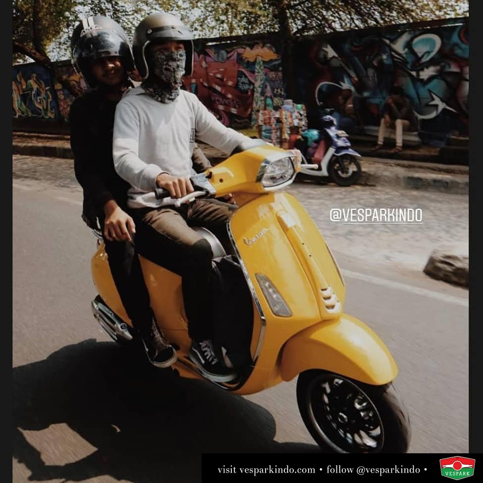 Share your Vespa ride with your friends @gilaagprtm