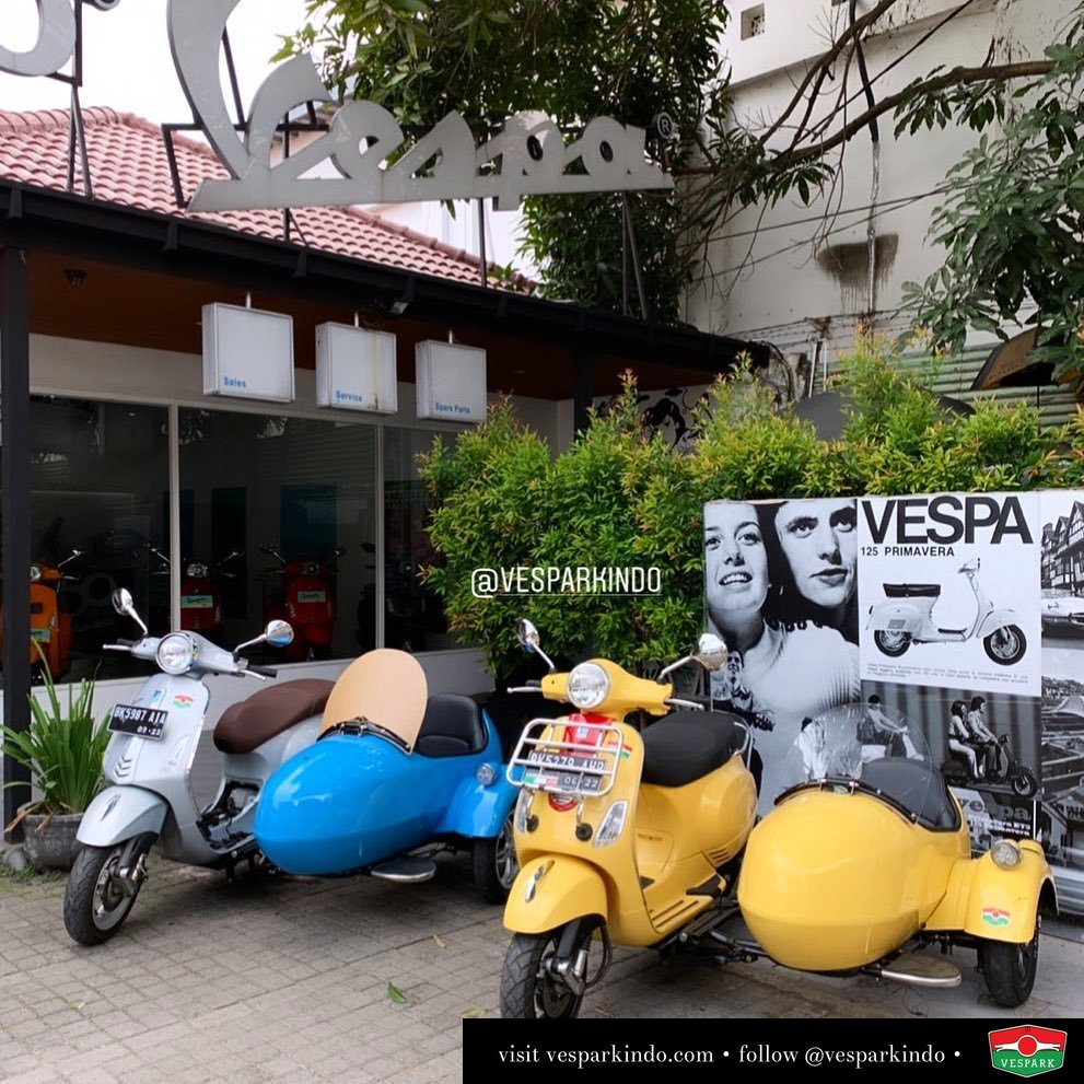 Vespa Sidecar by Vespark Available in left or right side (euro/us) for local or export. For any Vespa models, classic or modern. Contact wa 0815-21-595959 . For more check Or our website