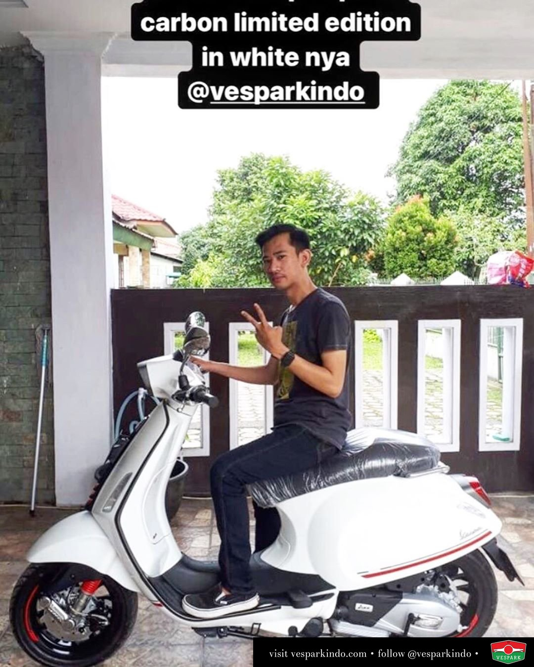 Vespa Sprint carbon limited edition delivery to @pangeranhrp Welcome to Vespark family